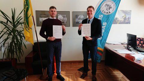 LUAA pasirašė bendradarbiavimo sutartį su Kauno miškų ir aplinkos inžinerijos kolegija